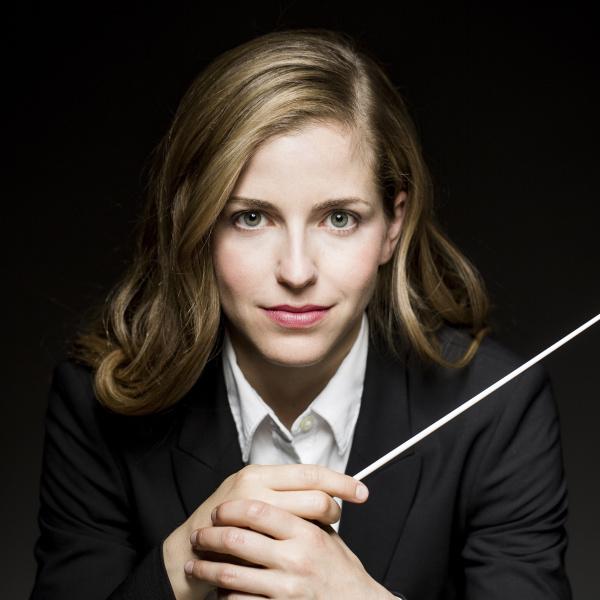 Karina Canellakis dirigeert het Orchestre National de France -